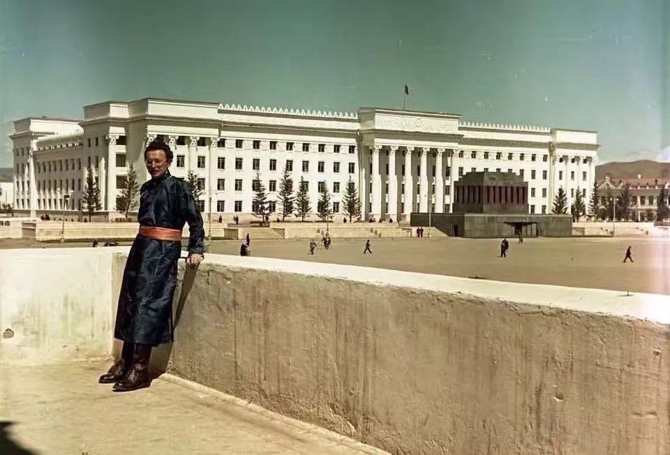 上世纪五十年代的蒙古街头,如今看来满满复古风! 第7张