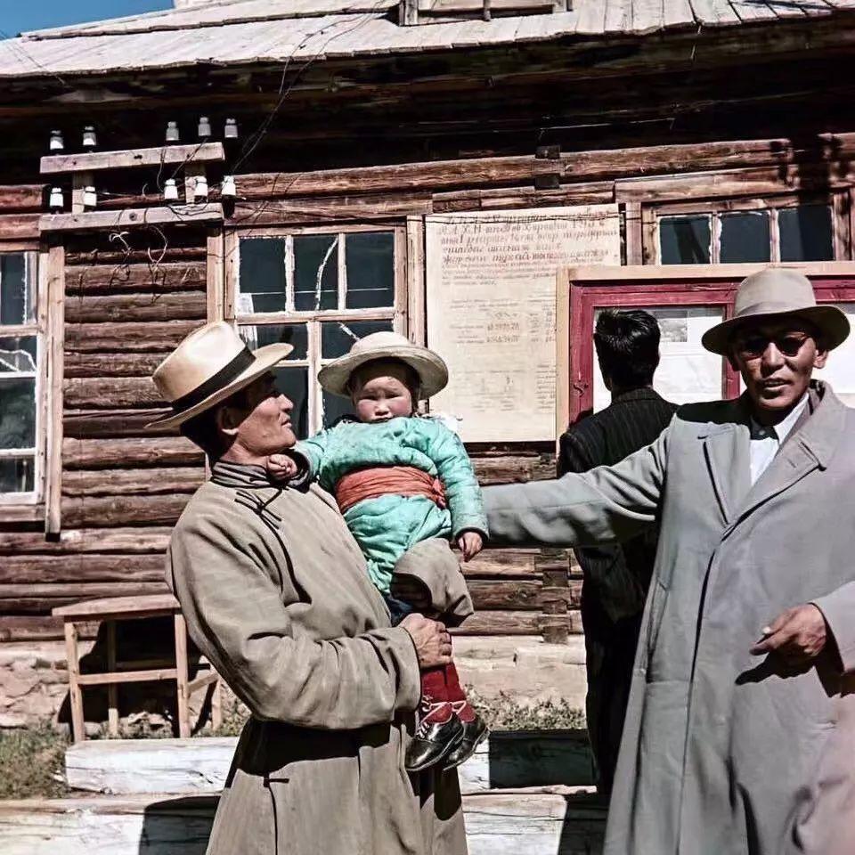 上世纪五十年代的蒙古街头,如今看来满满复古风! 第6张