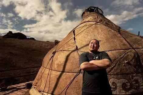 这位蒙古人,他是马云、赵薇的偶像,还和普京、施瓦辛格合过影! 第5张