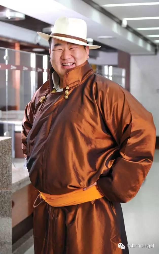 这位蒙古人,他是马云、赵薇的偶像,还和普京、施瓦辛格合过影! 第12张