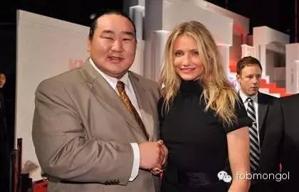 这位蒙古人,他是马云、赵薇的偶像,还和普京、施瓦辛格合过影! 第19张