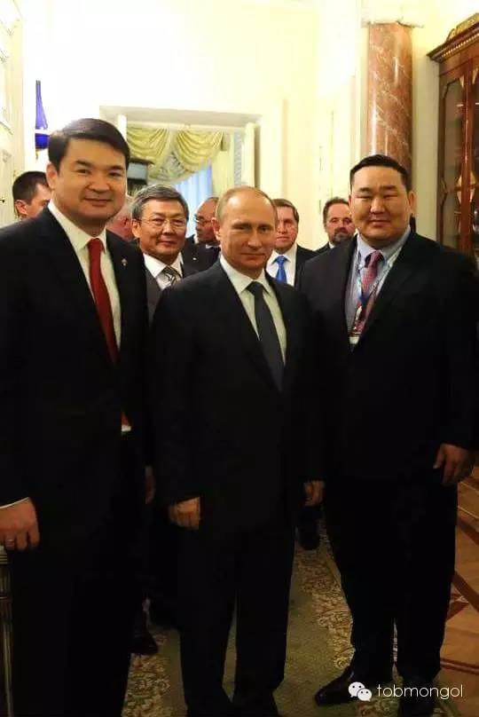这位蒙古人,他是马云、赵薇的偶像,还和普京、施瓦辛格合过影! 第15张