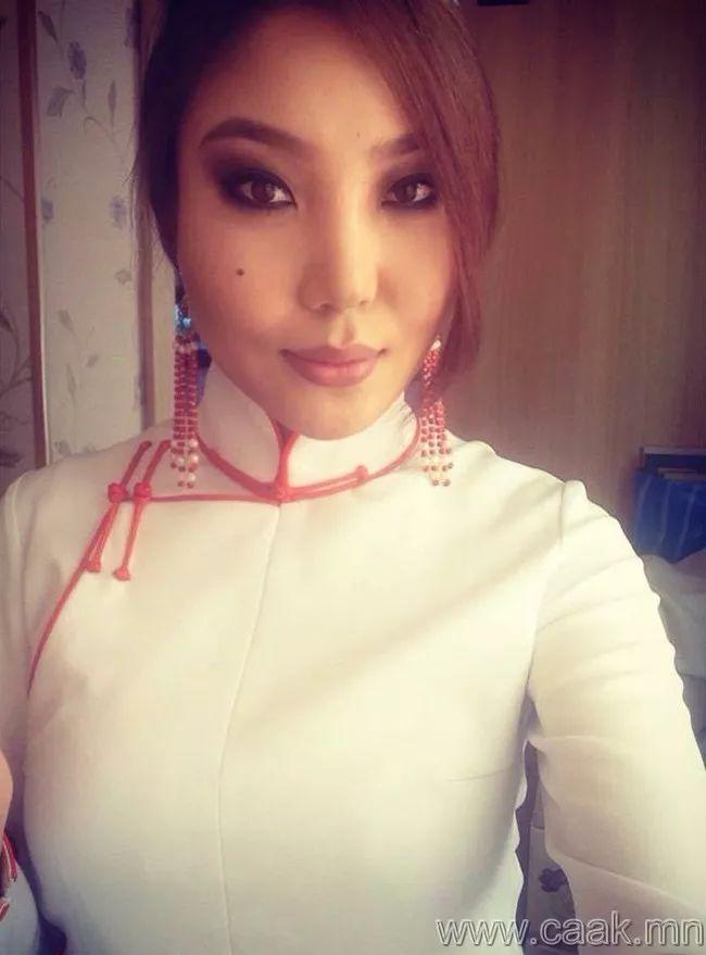 【蒙古佳丽】太漂亮了 蒙古美女们的新年自拍集... 第9张 【蒙古佳丽】太漂亮了 蒙古美女们的新年自拍集... 蒙古文化