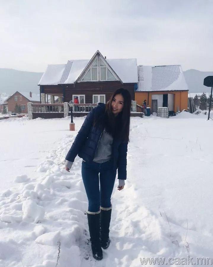 【蒙古佳丽】太漂亮了 蒙古美女们的新年自拍集... 第20张 【蒙古佳丽】太漂亮了 蒙古美女们的新年自拍集... 蒙古文化