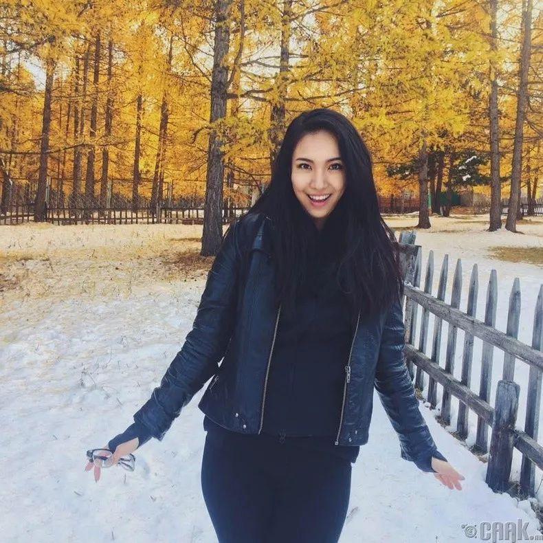 【蒙古佳丽】太漂亮了 蒙古美女们的新年自拍集... 第30张 【蒙古佳丽】太漂亮了 蒙古美女们的新年自拍集... 蒙古文化