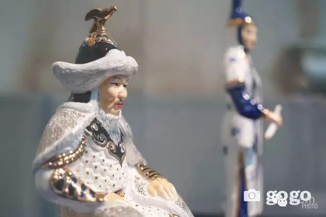 【组图】有趣的蒙古陶瓷艺术品  瓷人塑造太生动了!