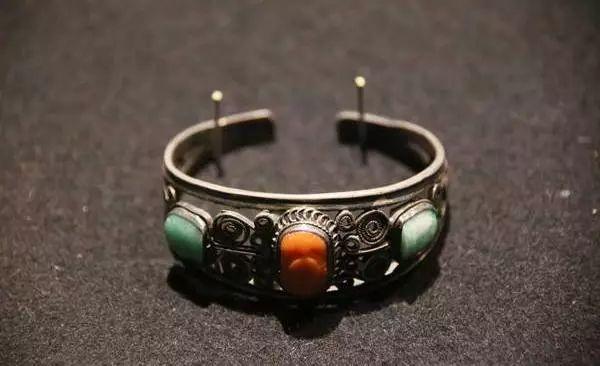蒙古族银饰——小巧精美的银扣子 第5张