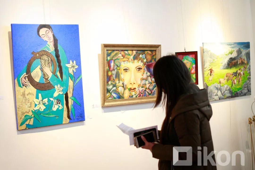 """蒙古国天才艺术家们的""""Mongol goo""""三八妇女节特别展览 第3张"""