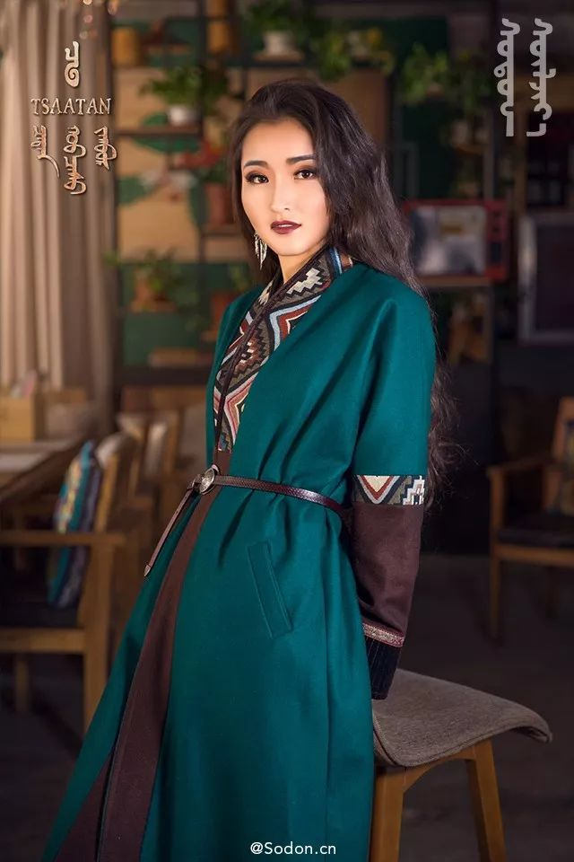 TSAATAN蒙古时装秋冬系列,来自驯鹿人的独特魅力! 第8张 TSAATAN蒙古时装秋冬系列,来自驯鹿人的独特魅力! 蒙古服饰