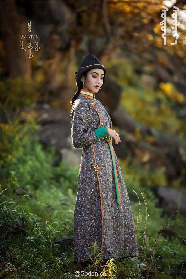 TSAATAN蒙古时装秋冬系列,来自驯鹿人的独特魅力! 第17张 TSAATAN蒙古时装秋冬系列,来自驯鹿人的独特魅力! 蒙古服饰