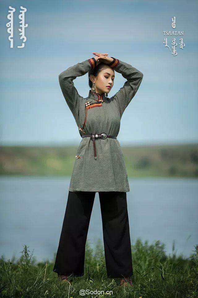 TSAATAN蒙古时装秋冬系列,来自驯鹿人的独特魅力! 第23张 TSAATAN蒙古时装秋冬系列,来自驯鹿人的独特魅力! 蒙古服饰