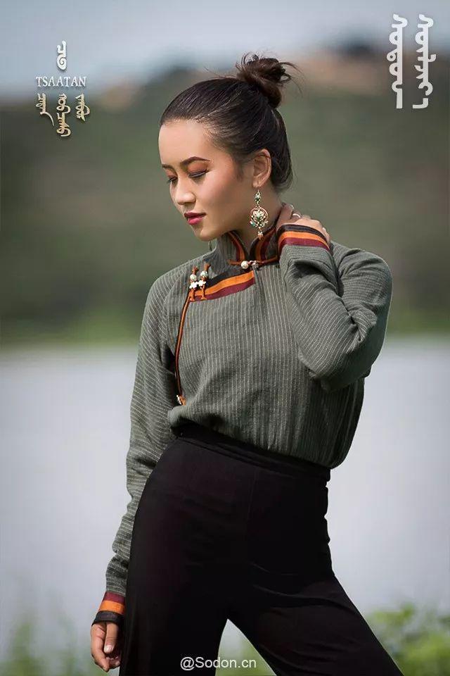 TSAATAN蒙古时装秋冬系列,来自驯鹿人的独特魅力! 第25张 TSAATAN蒙古时装秋冬系列,来自驯鹿人的独特魅力! 蒙古服饰