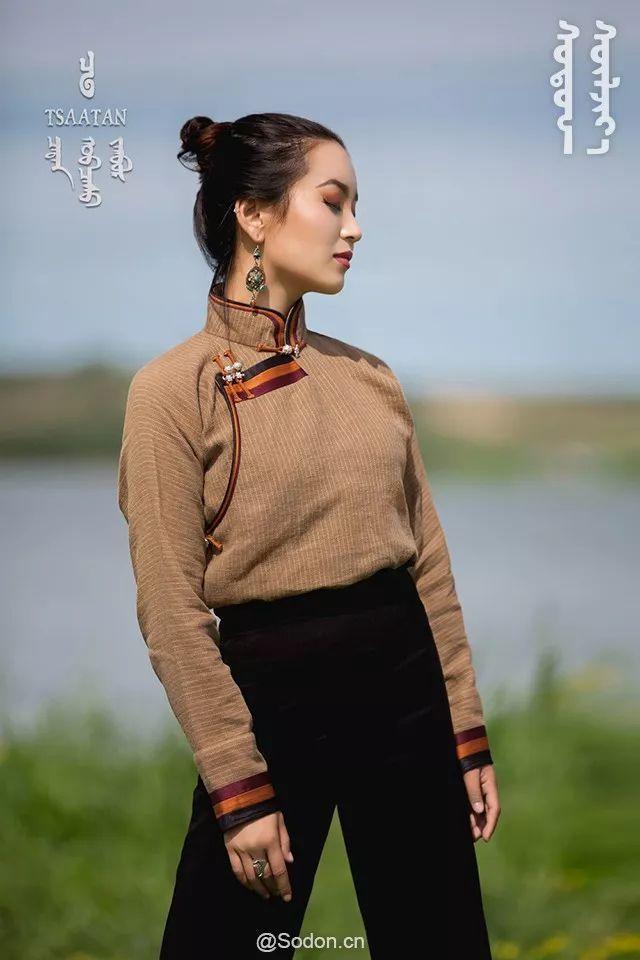 TSAATAN蒙古时装秋冬系列,来自驯鹿人的独特魅力! 第27张 TSAATAN蒙古时装秋冬系列,来自驯鹿人的独特魅力! 蒙古服饰