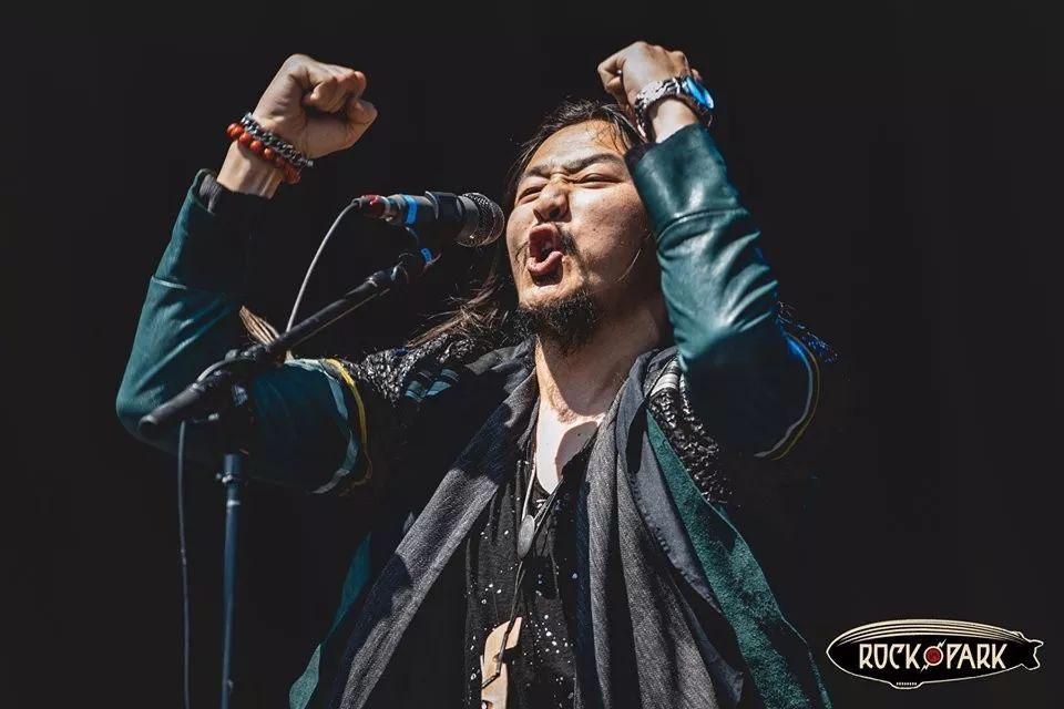 蒙古音乐登上世界顶级摇滚音乐节!THE HU乐队2019Rock Am Ring音乐节现场视频 第3张 蒙古音乐登上世界顶级摇滚音乐节!THE HU乐队2019Rock Am Ring音乐节现场视频 蒙古音乐