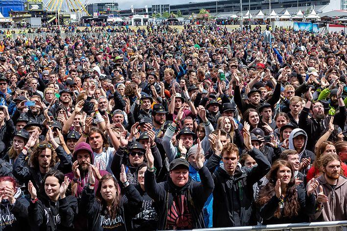 蒙古音乐登上世界顶级摇滚音乐节!THE HU乐队2019Rock Am Ring音乐节现场视频 第4张 蒙古音乐登上世界顶级摇滚音乐节!THE HU乐队2019Rock Am Ring音乐节现场视频 蒙古音乐