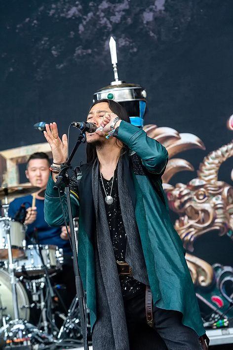 蒙古音乐登上世界顶级摇滚音乐节!THE HU乐队2019Rock Am Ring音乐节现场视频 第9张 蒙古音乐登上世界顶级摇滚音乐节!THE HU乐队2019Rock Am Ring音乐节现场视频 蒙古音乐