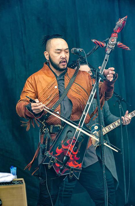 蒙古音乐登上世界顶级摇滚音乐节!THE HU乐队2019Rock Am Ring音乐节现场视频 第11张 蒙古音乐登上世界顶级摇滚音乐节!THE HU乐队2019Rock Am Ring音乐节现场视频 蒙古音乐