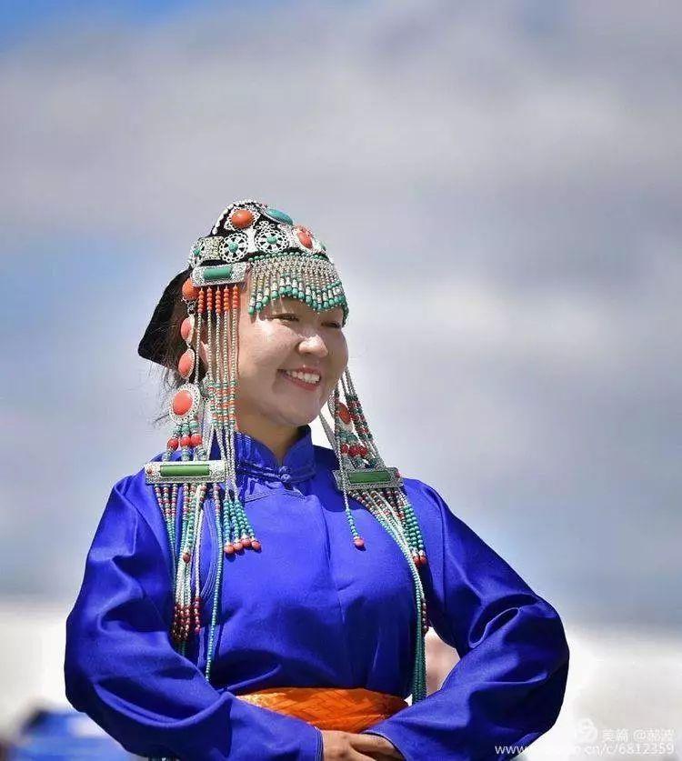 第三届察哈尔蒙古族服装服饰展演剪影 第33张
