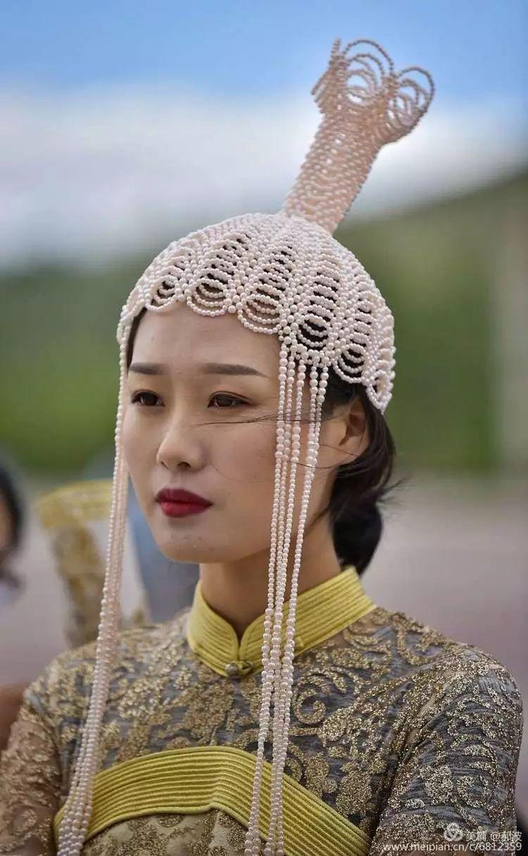 第三届察哈尔蒙古族服装服饰展演剪影 第34张