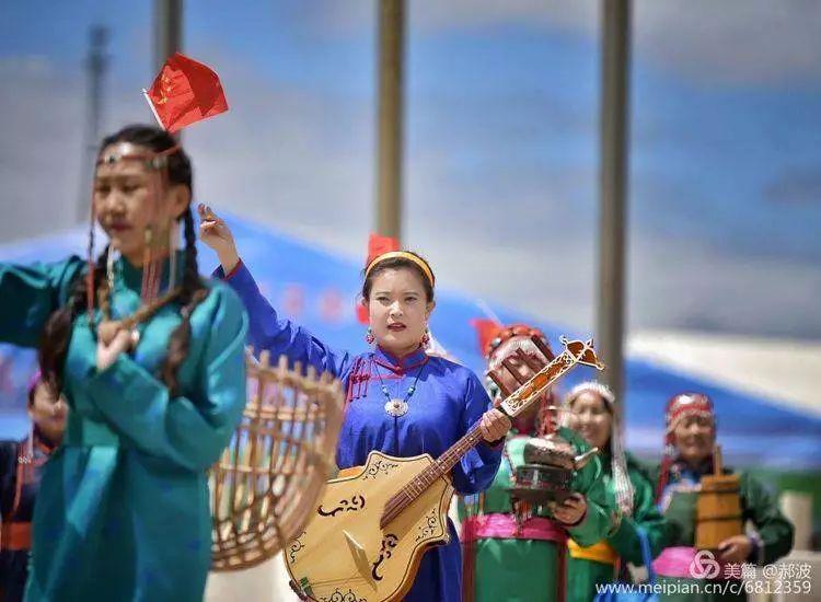 第三届察哈尔蒙古族服装服饰展演剪影 第45张
