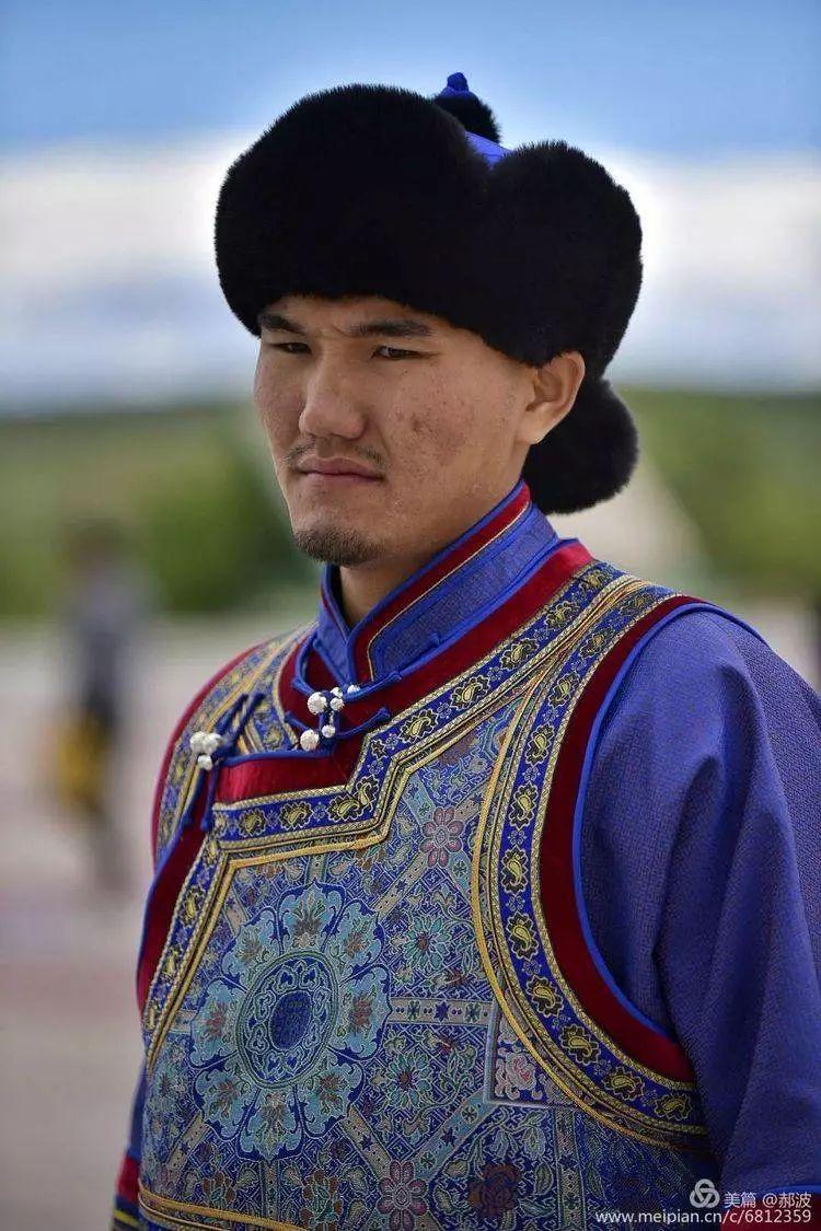 第三届察哈尔蒙古族服装服饰展演剪影 第47张
