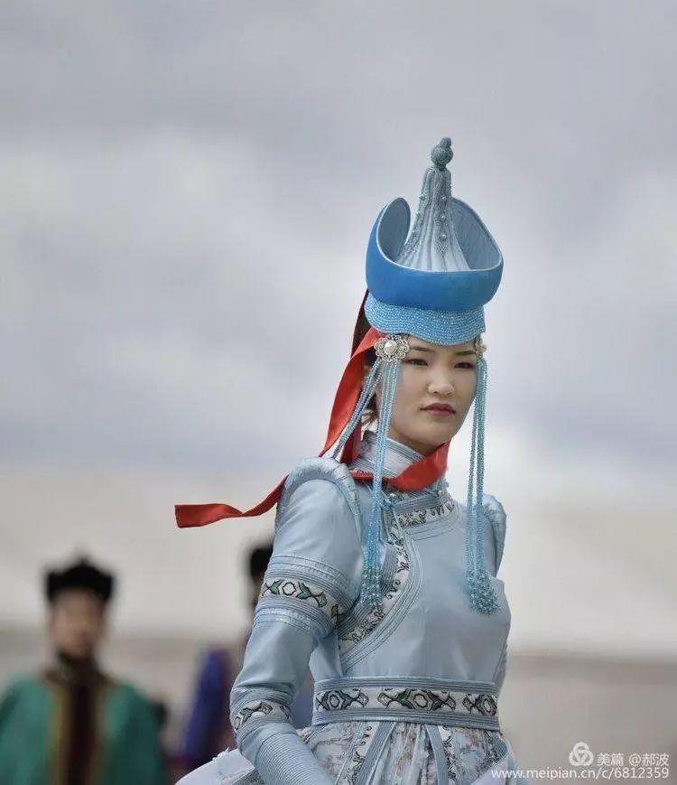 第三届察哈尔蒙古族服装服饰展演剪影 第55张