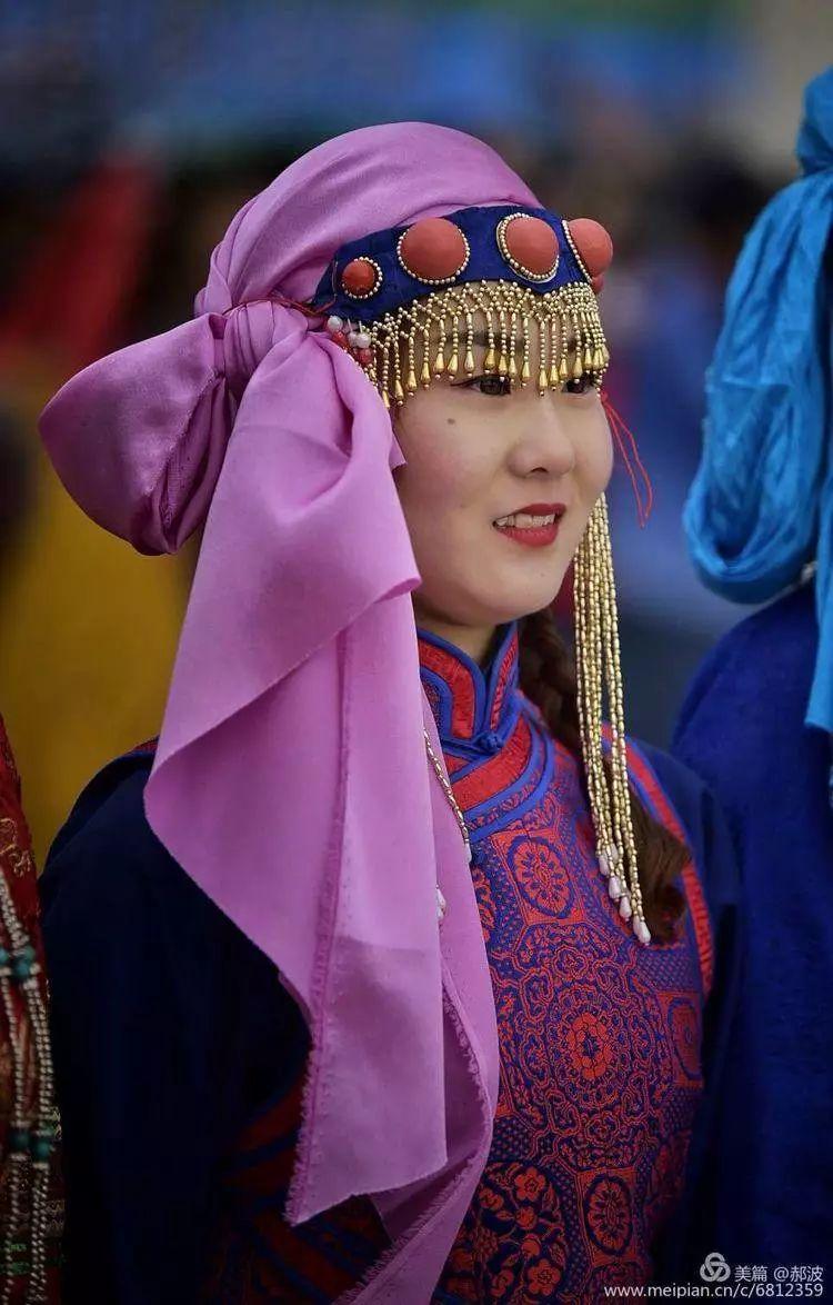 第三届察哈尔蒙古族服装服饰展演剪影 第83张