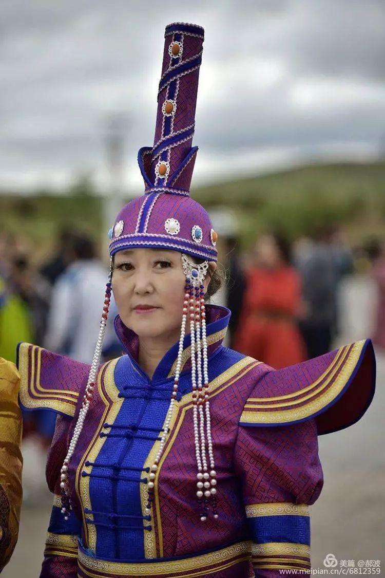 第三届察哈尔蒙古族服装服饰展演剪影 第86张