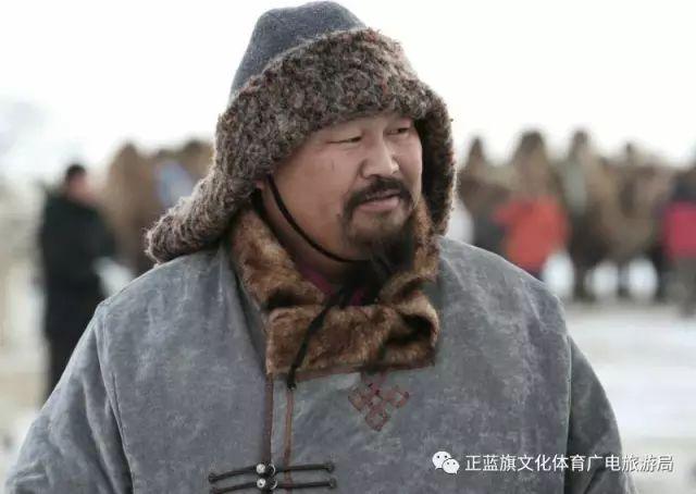 冰雪察哈尔丨察哈尔服饰的魅力 第5张