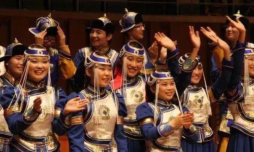 蒙古族少年合唱团来自草原深处的绝响,民族音乐让外国人拍手叫绝! 第1张