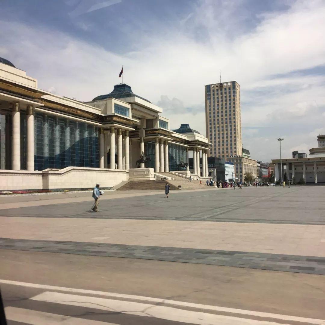 为了你的一本书,我们飞到蒙古去见九位艺术家 第4张 为了你的一本书,我们飞到蒙古去见九位艺术家 蒙古画廊
