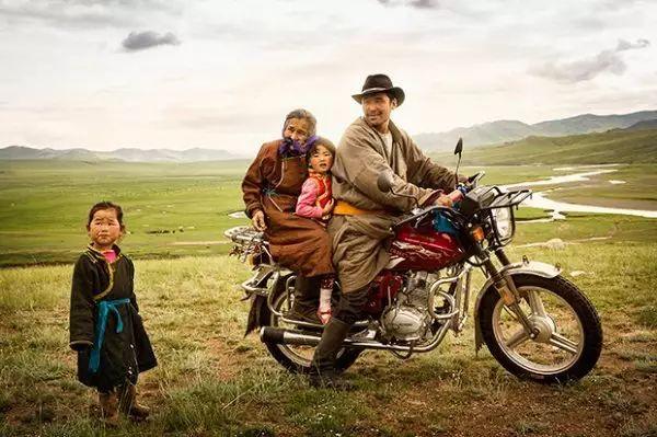 摄影纪实| 传统蒙古人的日常 第1张