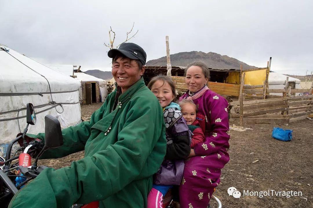 镜头中的蒙古脸庞:摄影师P·杭盖呼摄影作品 第28张 镜头中的蒙古脸庞:摄影师P·杭盖呼摄影作品 蒙古文化