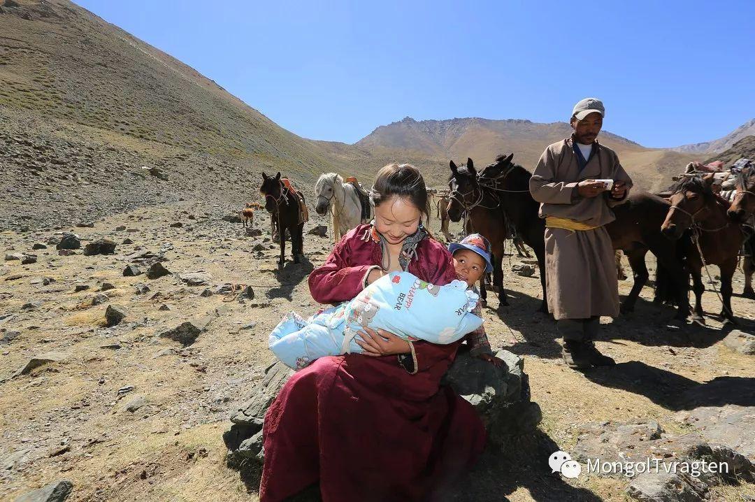 镜头中的蒙古脸庞:摄影师P·杭盖呼摄影作品 第32张 镜头中的蒙古脸庞:摄影师P·杭盖呼摄影作品 蒙古文化