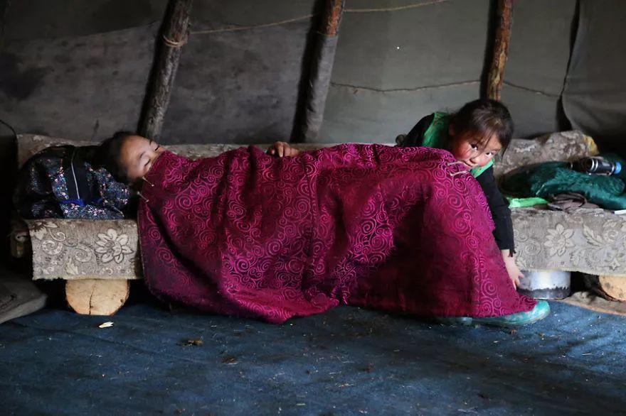 【蒙古影像】蒙古游牧生活 难以捉摸的美 第78张 【蒙古影像】蒙古游牧生活 难以捉摸的美 蒙古文化