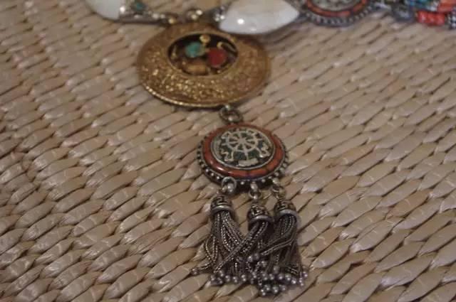 蒙古族:一个热爱银饰的民族 第9张 蒙古族:一个热爱银饰的民族 蒙古工艺