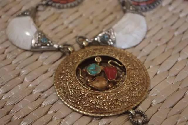 蒙古族:一个热爱银饰的民族 第16张 蒙古族:一个热爱银饰的民族 蒙古工艺