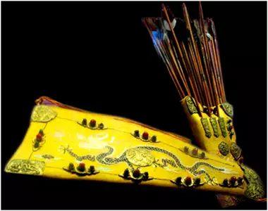 民族风丨极尽华美的蒙古族武器装备:金绣弓囊 第8张 民族风丨极尽华美的蒙古族武器装备:金绣弓囊 蒙古工艺