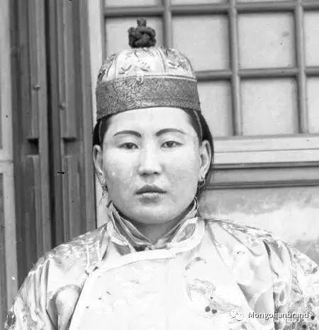 老照片:见证百年前蒙古女性(组图) 第5张 老照片:见证百年前蒙古女性(组图) 蒙古文化