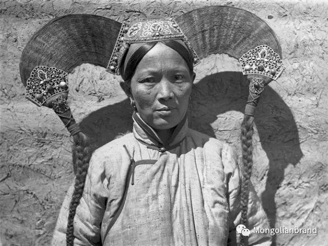 老照片:见证百年前蒙古女性(组图) 第4张 老照片:见证百年前蒙古女性(组图) 蒙古文化