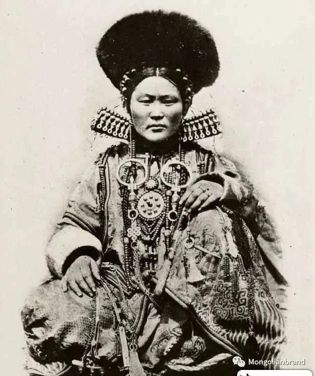 老照片:见证百年前蒙古女性(组图) 第6张 老照片:见证百年前蒙古女性(组图) 蒙古文化