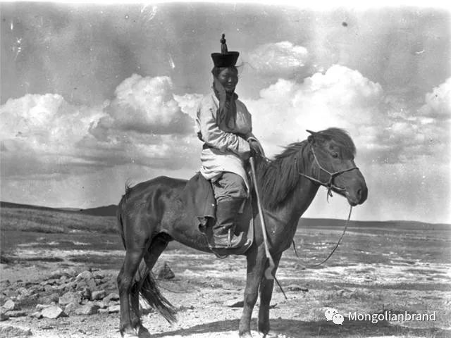 老照片:见证百年前蒙古女性(组图) 第7张 老照片:见证百年前蒙古女性(组图) 蒙古文化