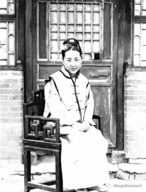 老照片:见证百年前蒙古女性(组图) 第11张 老照片:见证百年前蒙古女性(组图) 蒙古文化