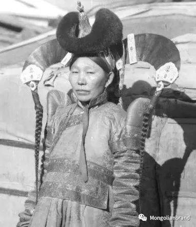 老照片:见证百年前蒙古女性(组图) 第9张 老照片:见证百年前蒙古女性(组图) 蒙古文化