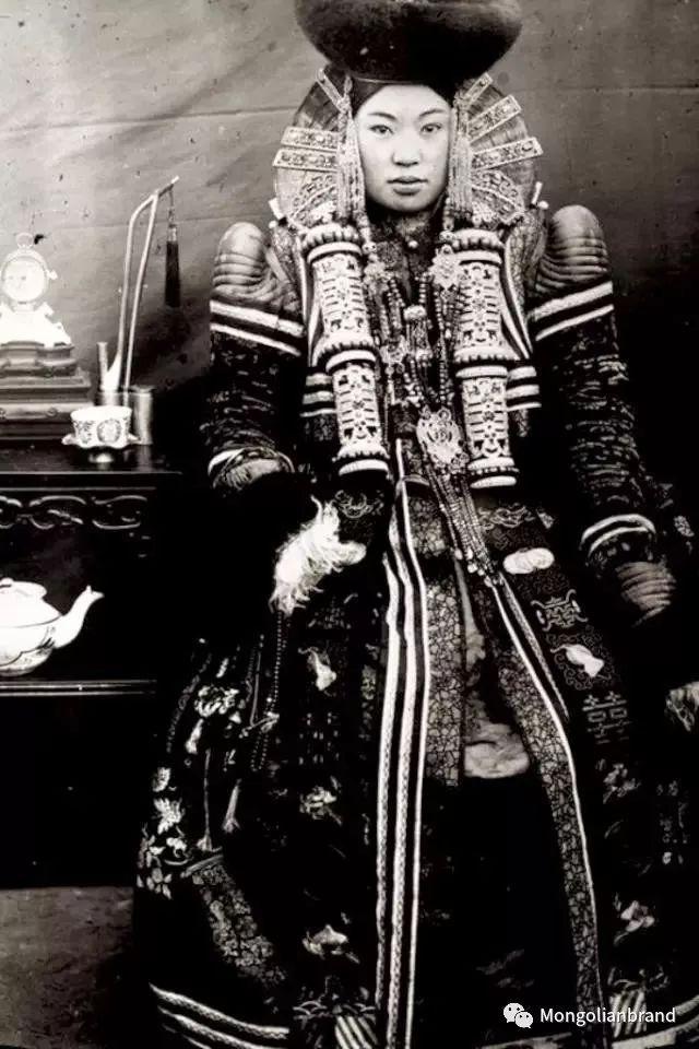 老照片:见证百年前蒙古女性(组图) 第14张 老照片:见证百年前蒙古女性(组图) 蒙古文化