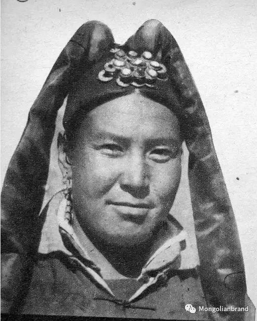 老照片:见证百年前蒙古女性(组图) 第18张 老照片:见证百年前蒙古女性(组图) 蒙古文化