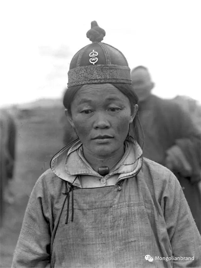 老照片:见证百年前蒙古女性(组图) 第16张 老照片:见证百年前蒙古女性(组图) 蒙古文化