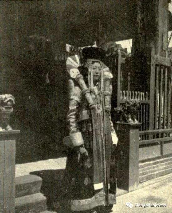 老照片:见证百年前蒙古女性(组图) 第22张 老照片:见证百年前蒙古女性(组图) 蒙古文化