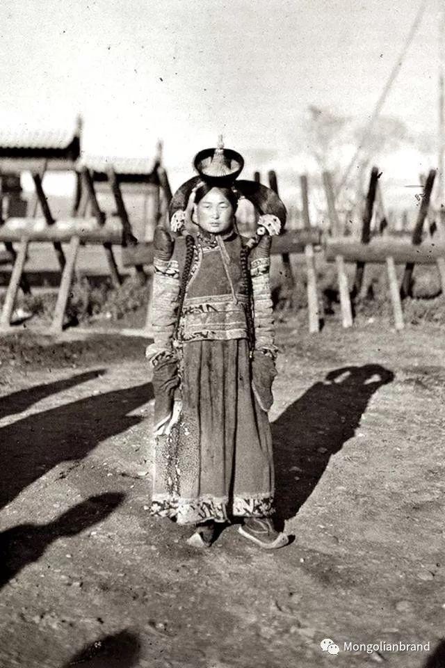 老照片:见证百年前蒙古女性(组图) 第30张 老照片:见证百年前蒙古女性(组图) 蒙古文化