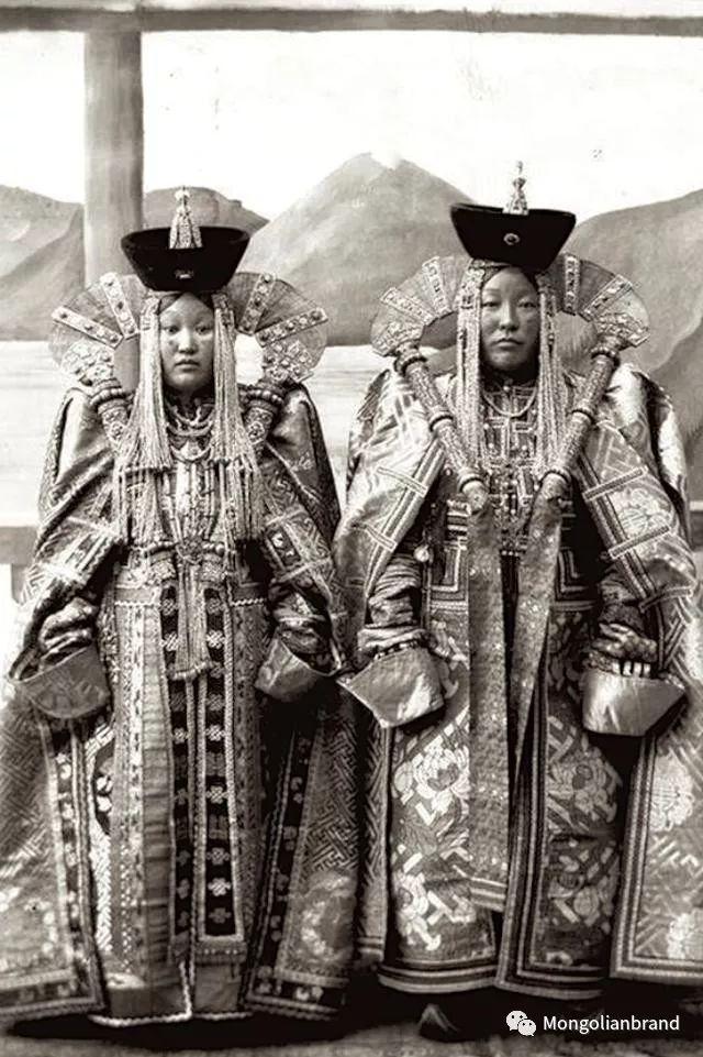 老照片:见证百年前蒙古女性(组图) 第35张 老照片:见证百年前蒙古女性(组图) 蒙古文化